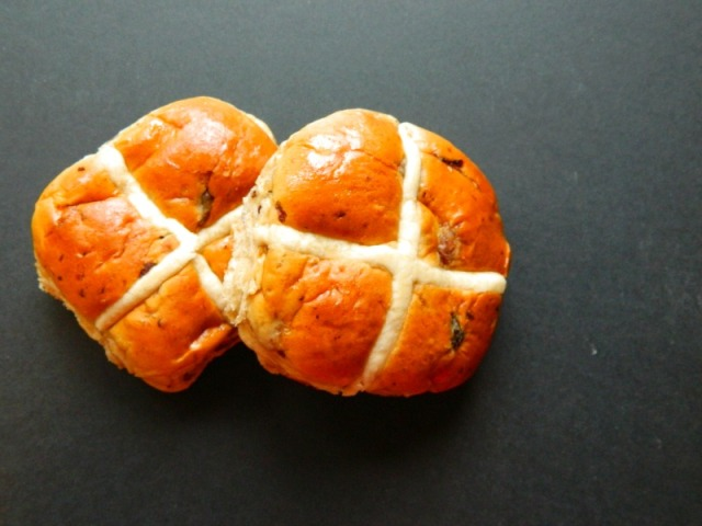 Hot cross buns1